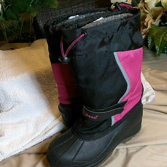 L.L. Bean Shoes - L. L. Bean ladies rain or snow boots